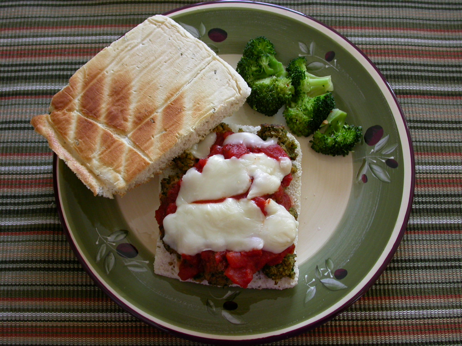 Falafal-ball Sandwich