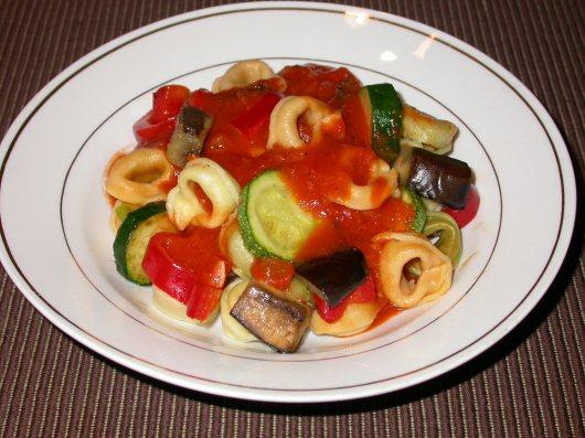 Tortellini in tomato sauce