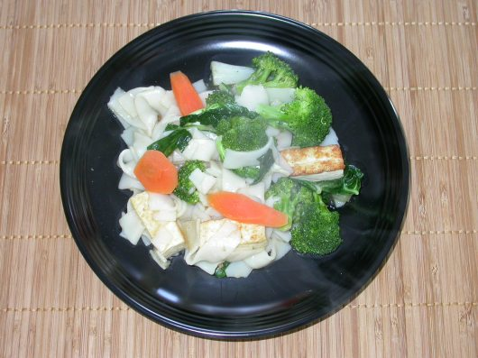 rice noodles in white sauce